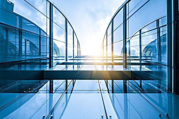 節能玻璃中的百變王子:在光線下能變色的調光玻璃